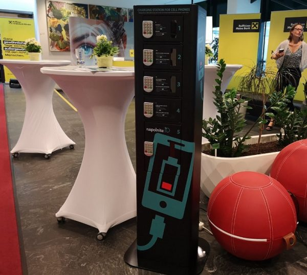 Charging station for mobile devices
